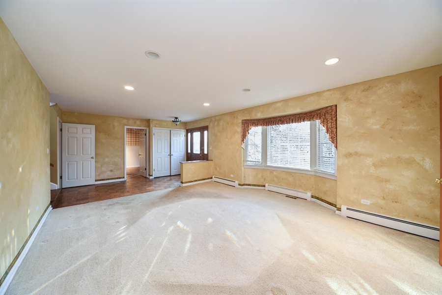 Real Estate Photography - 26072 W Indian Trail Rd, Barrington, IL, 60010 - Dining Room