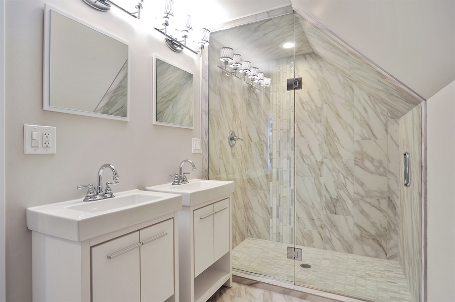 Real Estate Photography - 4841 W. Henderson St., Chicago, IL, 60641 - Bathroom