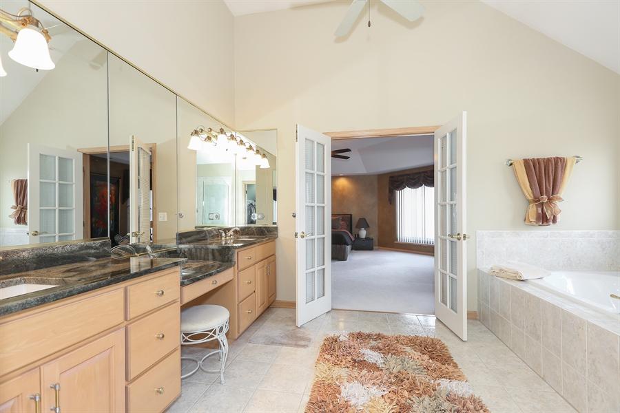 Real Estate Photography - 2603 Newton Avenue, Naperville, IL, 60564 - Master Bathroom