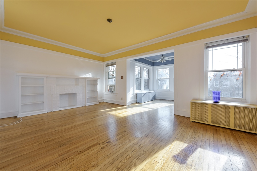 Real Estate Photography - 1236 W Columbia Ave, 2E, Chicago, IL, 60626 - Living Room