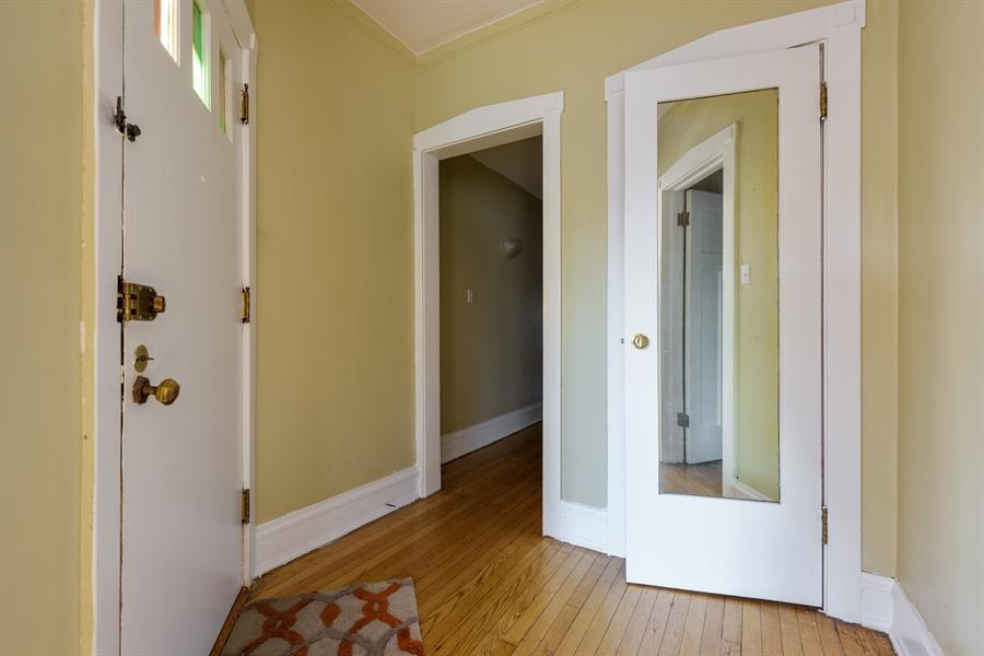 Real Estate Photography - 1236 W Columbia Ave, 2E, Chicago, IL, 60626 - Foyer
