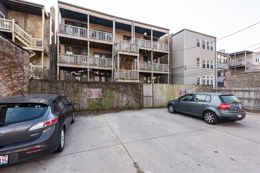 Real Estate Photography - 1236 W Columbia Ave, 2E, Chicago, IL, 60626 - Rear View