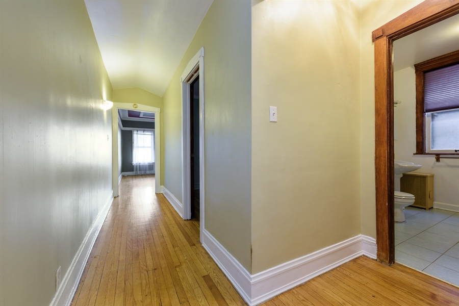 Real Estate Photography - 1236 W Columbia Ave, 2E, Chicago, IL, 60626 - Entryway