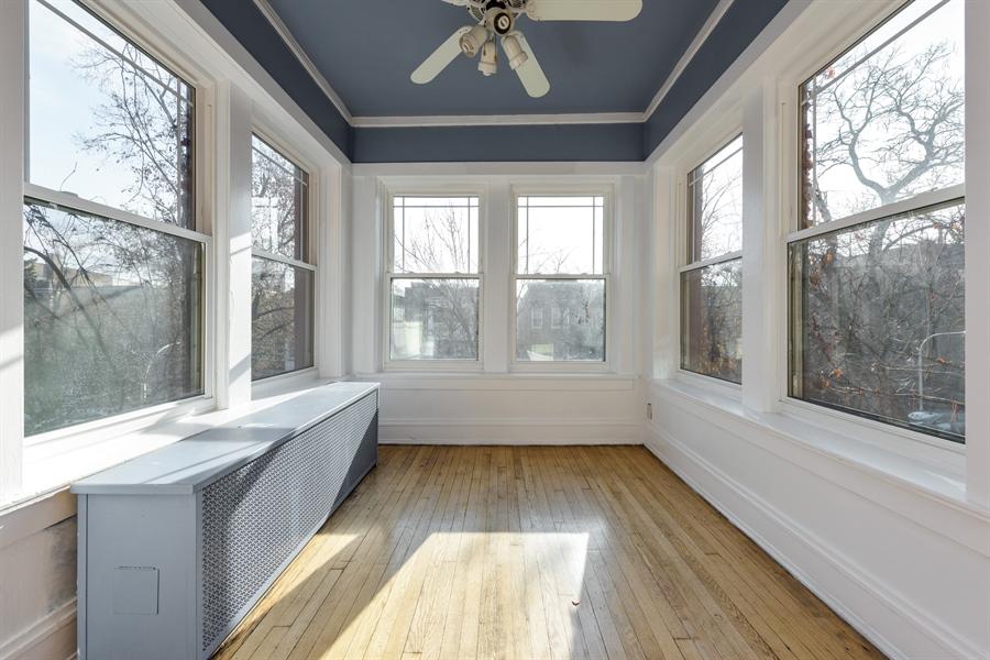 Real Estate Photography - 1236 W Columbia Ave, 2E, Chicago, IL, 60626 - Sun Room