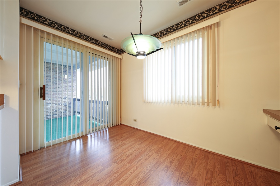 Real Estate Photography - 740 Cherrywood, C, Willowbrook, IL, 60527 - Breakfast Area