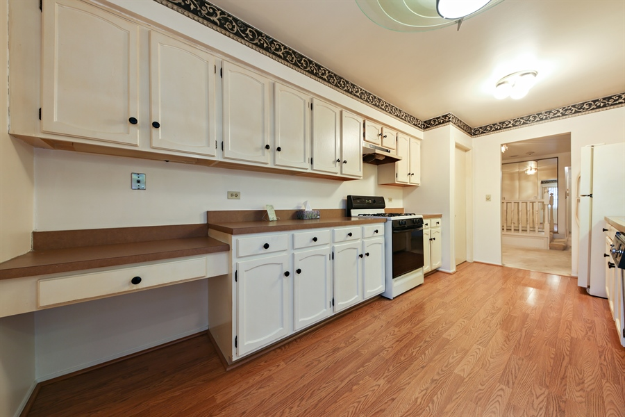 Real Estate Photography - 740 Cherrywood, C, Willowbrook, IL, 60527 - Kitchen