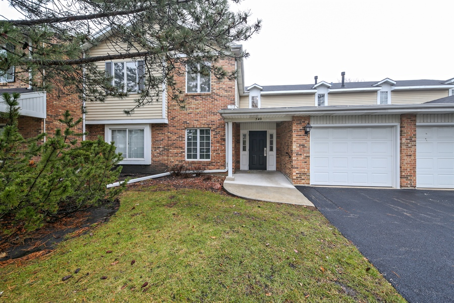 Real Estate Photography - 740 Cherrywood, C, Willowbrook, IL, 60527 - Front View