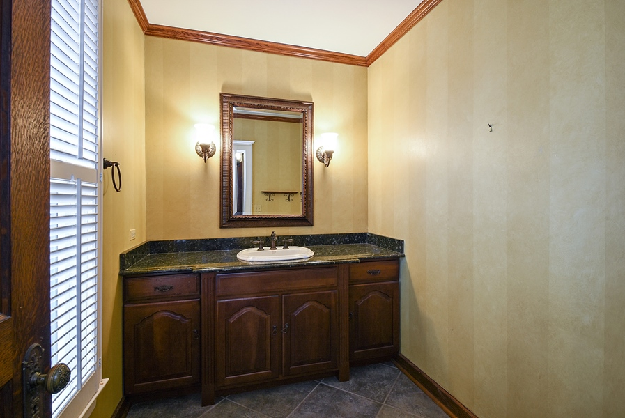Real Estate Photography - 541 S. Hough St., Barrington, IL, 60010 - Half Bath