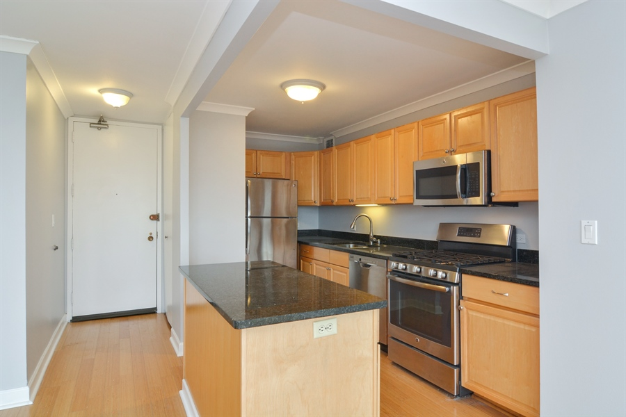 Real Estate Photography - 444 W Fullerton, #1306, Chicago, IL, 60614 - Kitchen