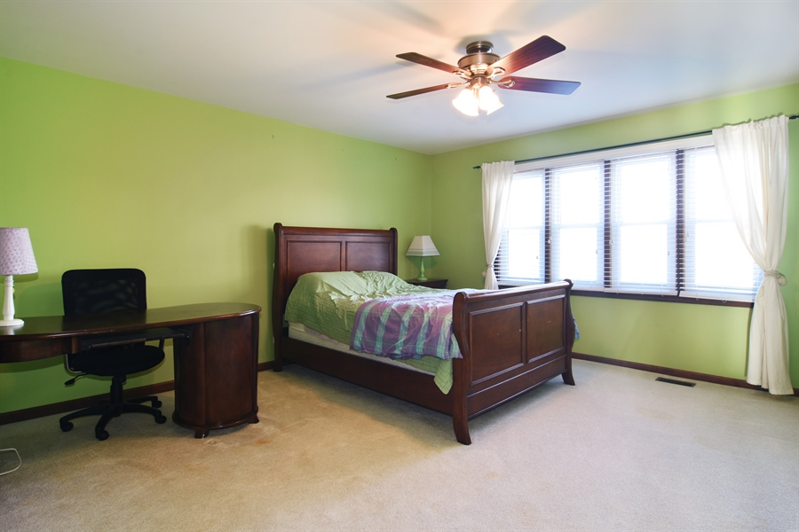 Real Estate Photography - 9 Lake View Road, hawthorn Woods, IL, 60047 - 2nd Bedroom