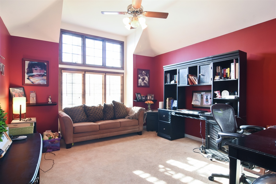 Real Estate Photography - 9 Lake View Road, hawthorn Woods, IL, 60047 - 3rd Bedroom