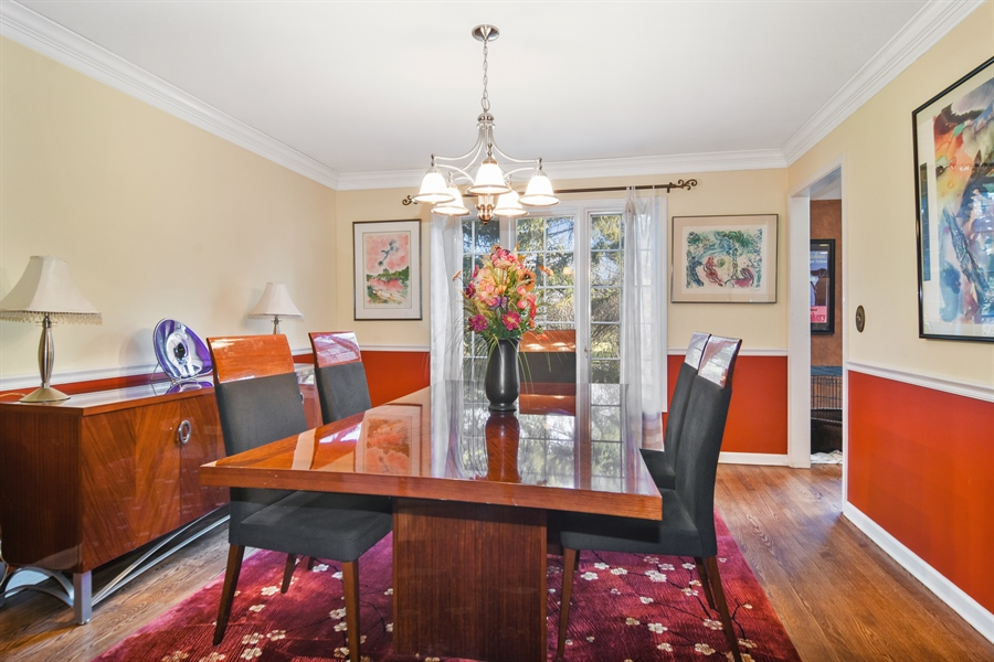 Real Estate Photography - 9 Lake View Road, hawthorn Woods, IL, 60047 - Dining Room