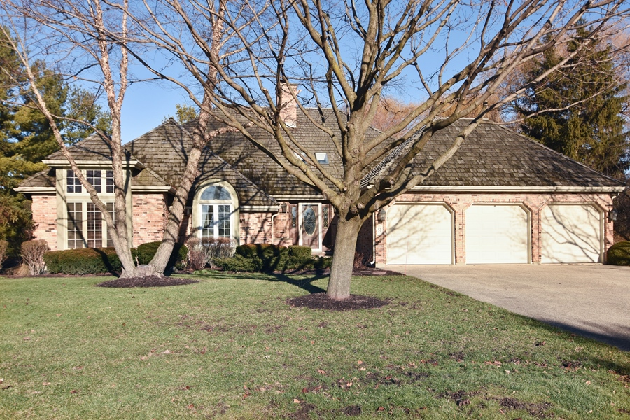 Real Estate Photography - 9 Lake View Road, hawthorn Woods, IL, 60047 - Front View