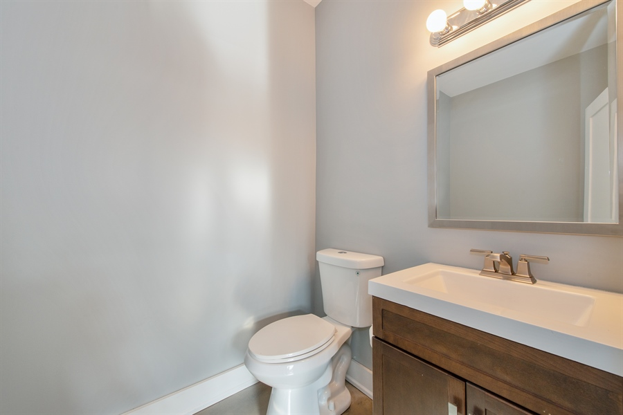Real Estate Photography - 1448 W Montrose, grnd, Chicago, IL, 60613 - Bathroom