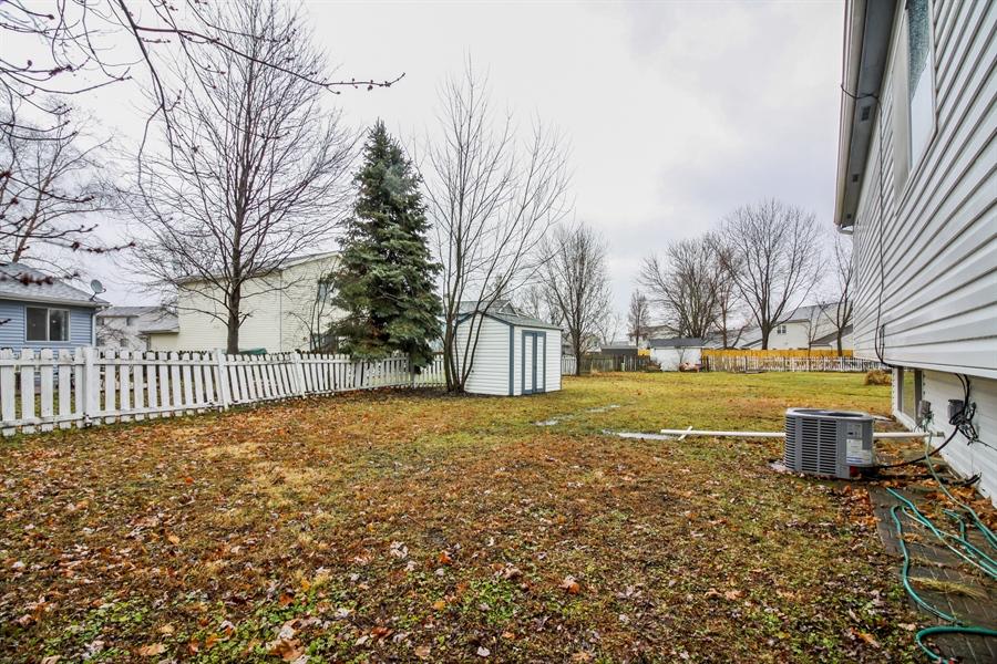 Real Estate Photography - 29W796 Hurlingham Court, Warrenville, IL, 60555 - Back Yard