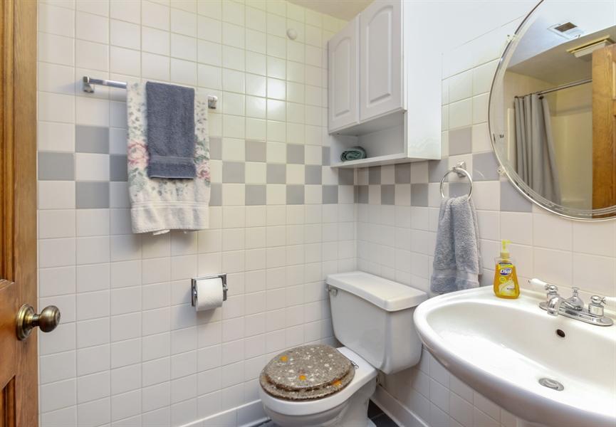 Real Estate Photography - 29W796 Hurlingham Court, Warrenville, IL, 60555 - Bathroom