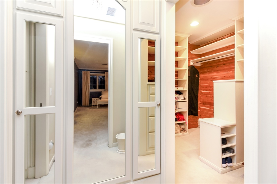 Real Estate Photography - 5101 Harvey Ave, Western Springs, IL, 60558 - Closet