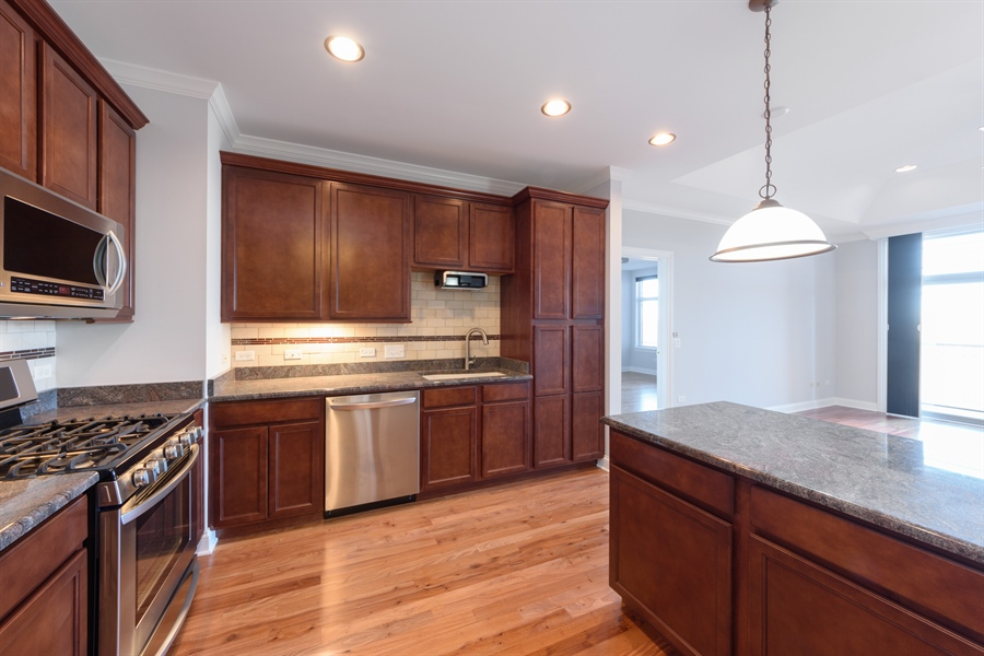Real Estate Photography - 100 Prairie Park Drive, 507, Wheeling, IL, 60090 - Kitchen