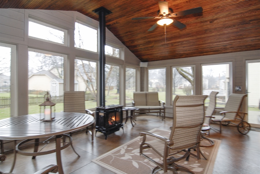 Real Estate Photography - 420 Apple River Dr, Naperville, IL, 60565 - Location 1