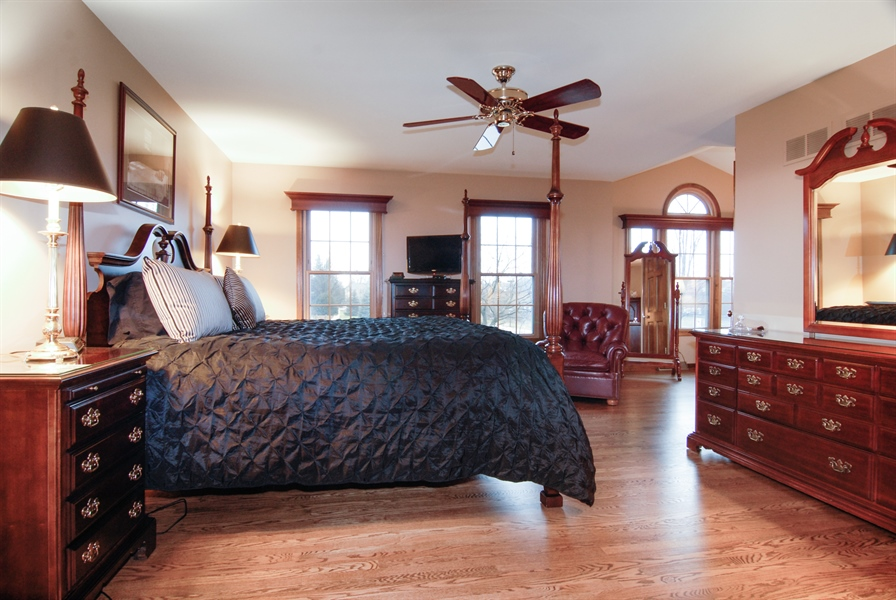 Real Estate Photography - 420 Apple River Dr, Naperville, IL, 60565 - Master Bedroom