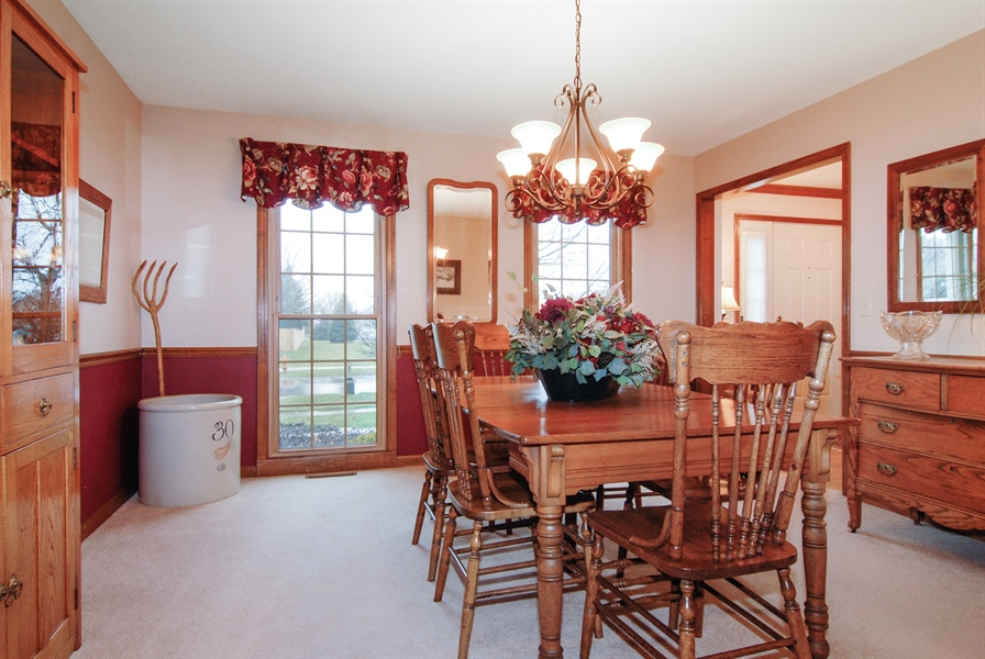 Real Estate Photography - 420 Apple River Dr, Naperville, IL, 60565 - Dining Room