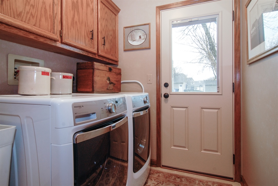 Real Estate Photography - 420 Apple River Dr, Naperville, IL, 60565 - Laundry Room