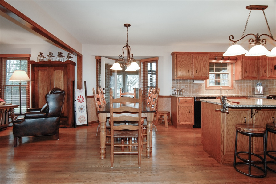 Real Estate Photography - 420 Apple River Dr, Naperville, IL, 60565 - Breakfast Nook