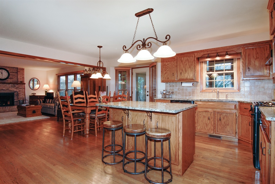 Real Estate Photography - 420 Apple River Dr, Naperville, IL, 60565 - Family Room / Kitchen
