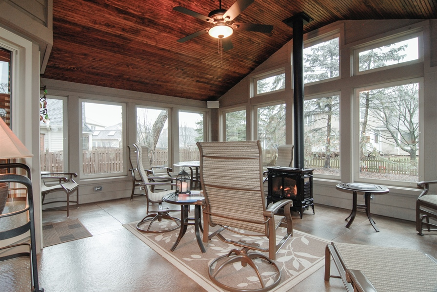 Real Estate Photography - 420 Apple River Dr, Naperville, IL, 60565 - Sun Room