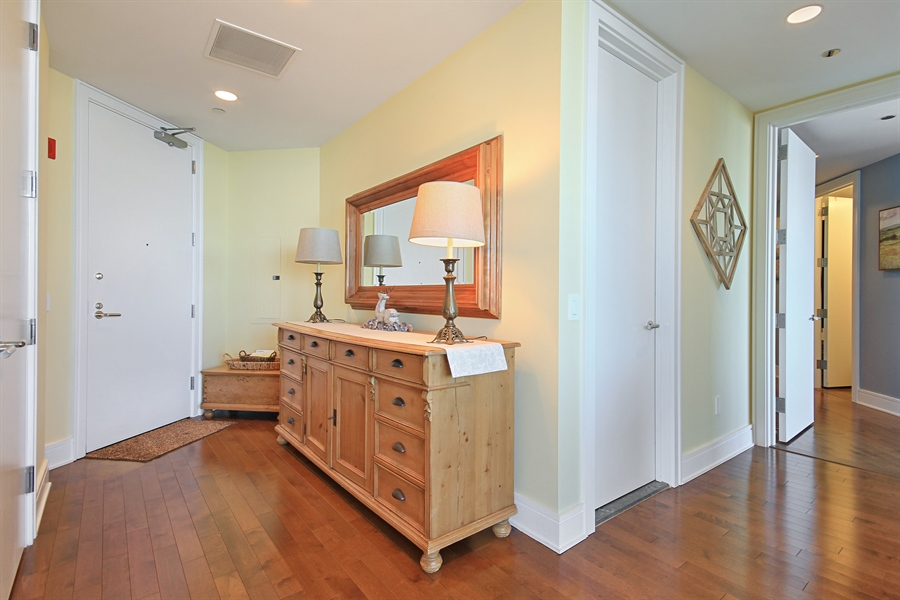 Real Estate Photography - 401 Wabash, Unit 55G, Chicago, IL, 60611 - Entryway