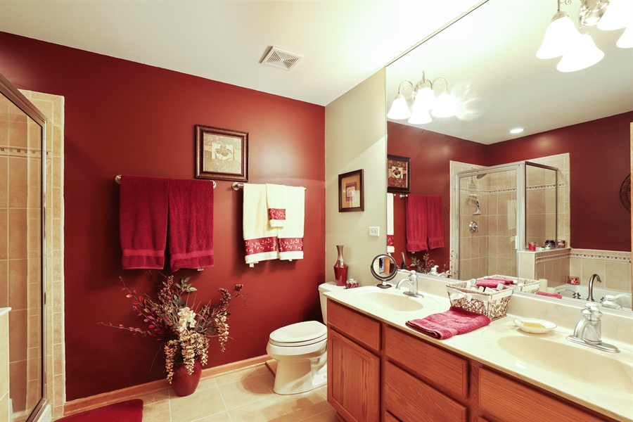 Real Estate Photography - 1020 Inverness Dr, Antioch, IL, 60002 - Master Bathroom