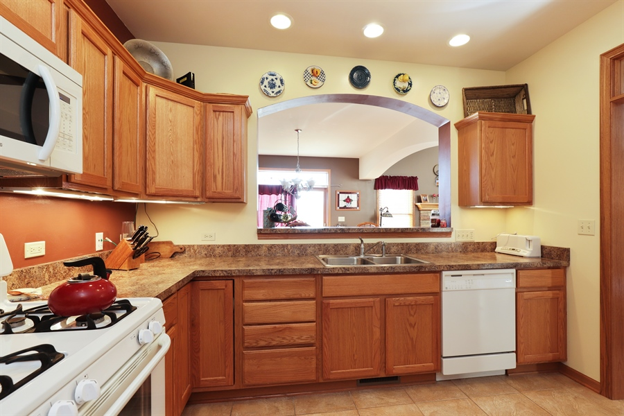 Real Estate Photography - 1020 Inverness Dr, Antioch, IL, 60002 - Kitchen