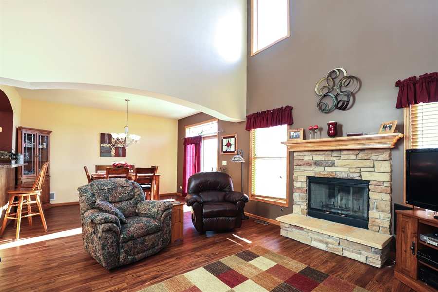 Real Estate Photography - 1020 Inverness Dr, Antioch, IL, 60002 - Family Room
