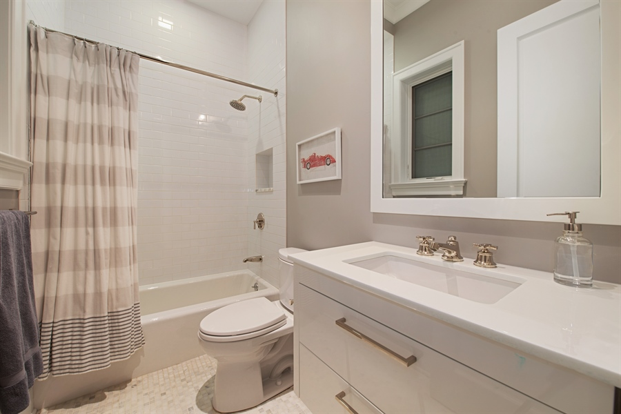 Real Estate Photography - 1838 N Hudson Ave, Chicago, IL, 60614 - 3rd Bathroom
