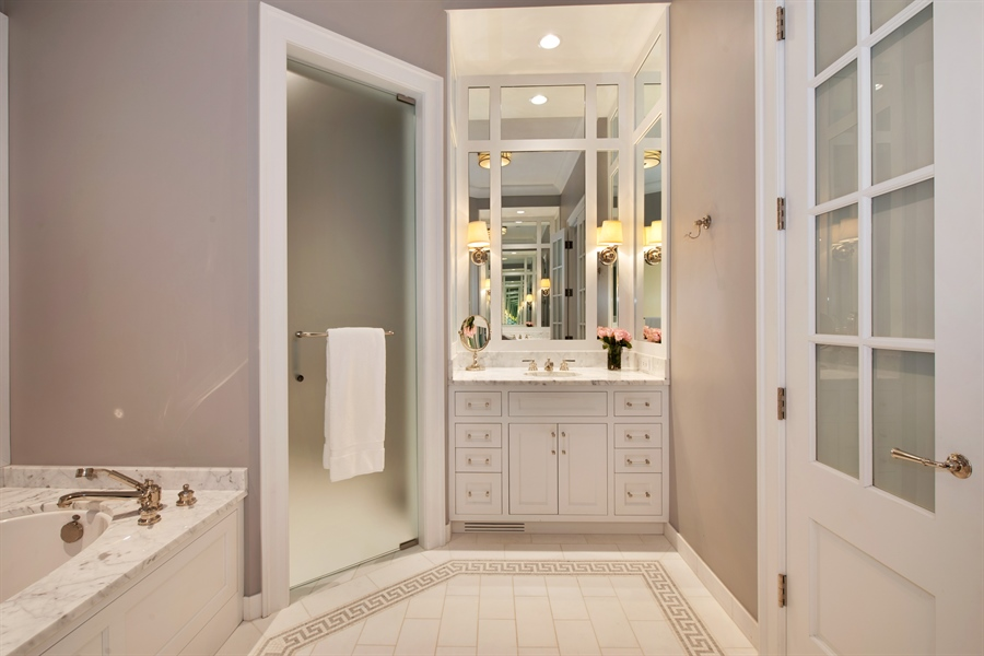 Real Estate Photography - 1838 N Hudson Ave, Chicago, IL, 60614 - Master Bathroom