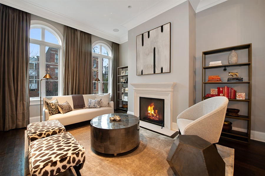 Real Estate Photography - 1838 N Hudson Ave, Chicago, IL, 60614 - Living Room