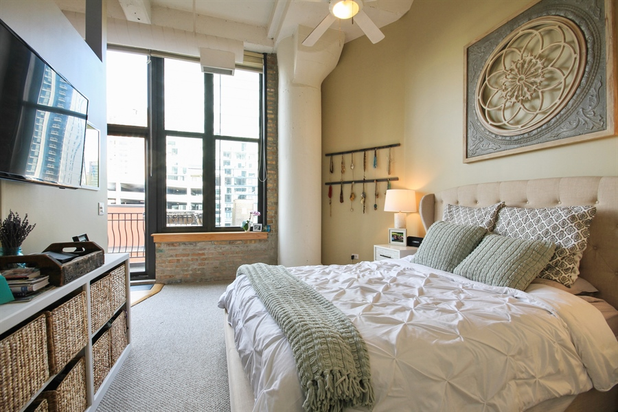 Real Estate Photography - 333 W Hubbard, unit E, Chicago, IL, 60607 - Master Bedroom