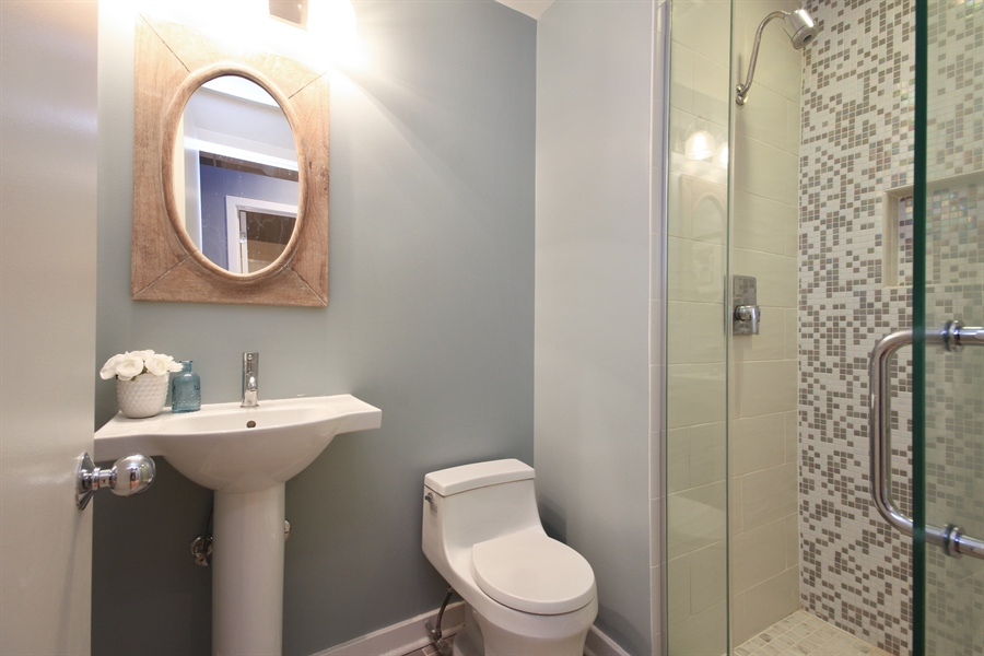 Real Estate Photography - 333 W Hubbard, unit E, Chicago, IL, 60607 - Bathroom