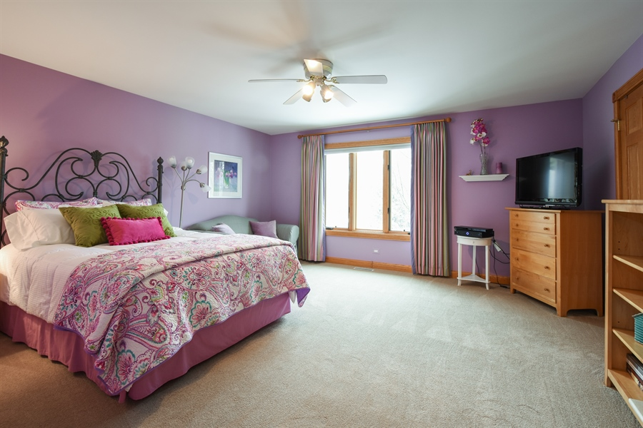 Real Estate Photography - 1 Cutters Run, South Barrington, IL, 60010 - 3rd Bedroom