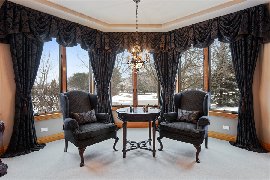 Real Estate Photography - 1 Cutters Run, South Barrington, IL, 60010 - Living Room