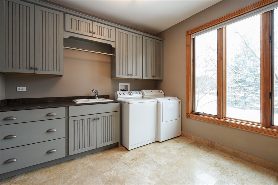 Real Estate Photography - 1 Cutters Run, South Barrington, IL, 60010 - Laundry Room