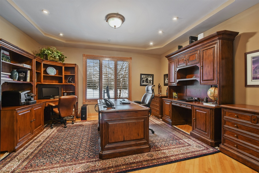 Real Estate Photography - 1 Cutters Run, South Barrington, IL, 60010 - Office