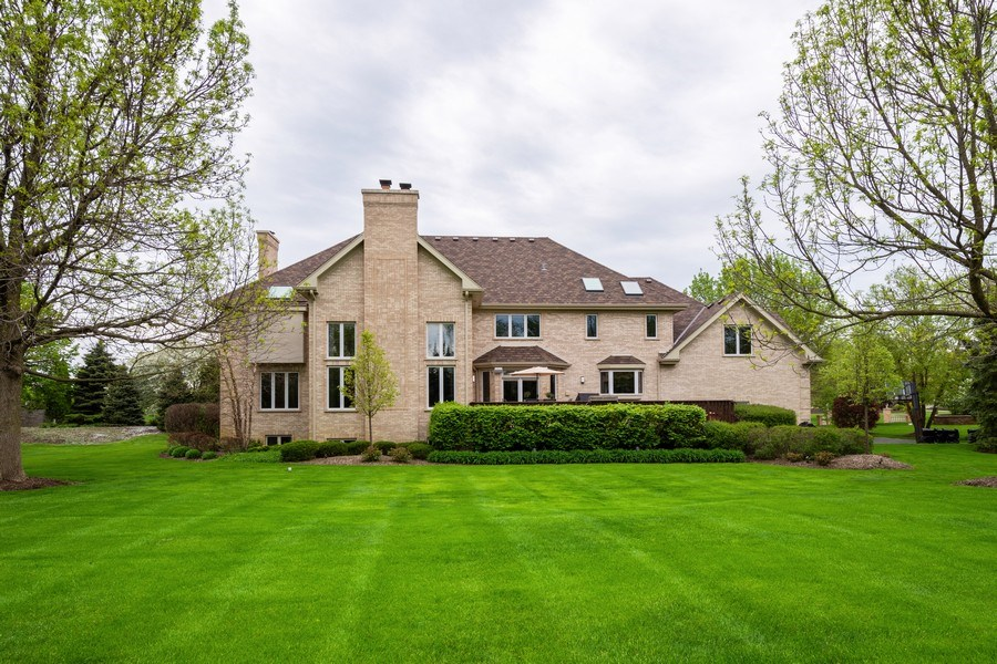 Real Estate Photography - 1 Cutters Run, South Barrington, IL, 60010 - Rear View