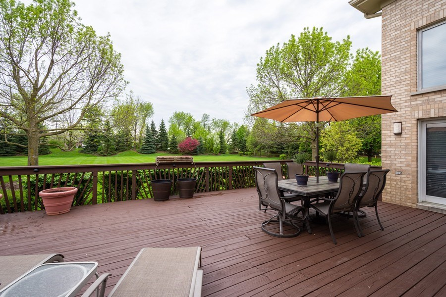 Real Estate Photography - 1 Cutters Run, South Barrington, IL, 60010 - Deck