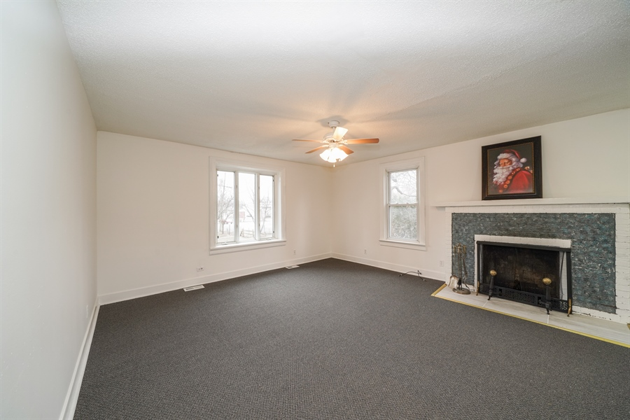 Real Estate Photography - 110 W Oneida, Bartlett, IL, 60103 - Living Room