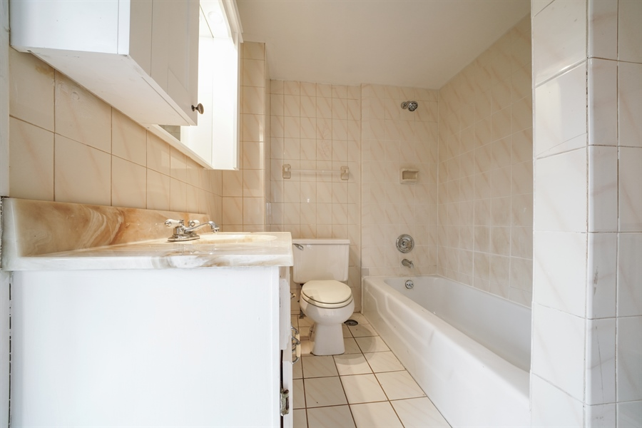 Real Estate Photography - 110 W Oneida, Bartlett, IL, 60103 - Master Bathroom