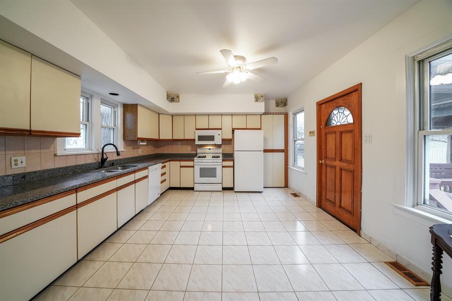 Real Estate Photography - 110 W Oneida, Bartlett, IL, 60103 - Kitchen
