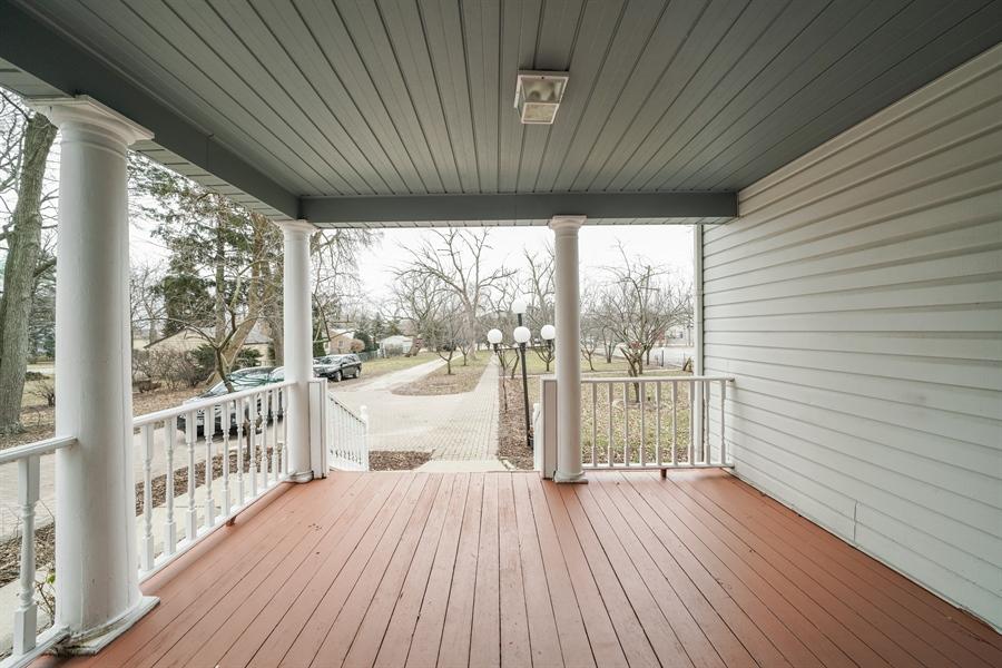 Real Estate Photography - 110 W Oneida, Bartlett, IL, 60103 - Porch