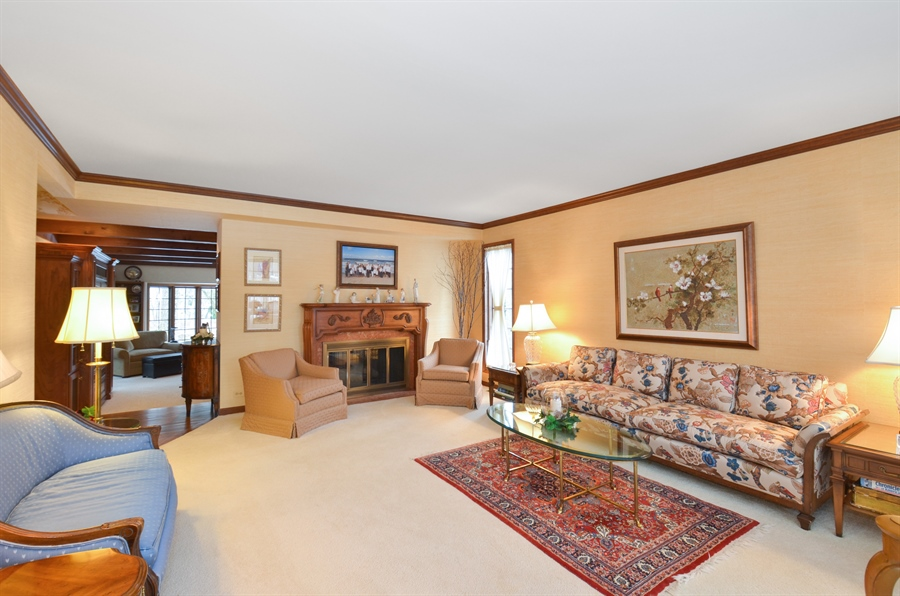 Real Estate Photography - 1 Orchard Ln, Golf, IL, 60029 - Living Room