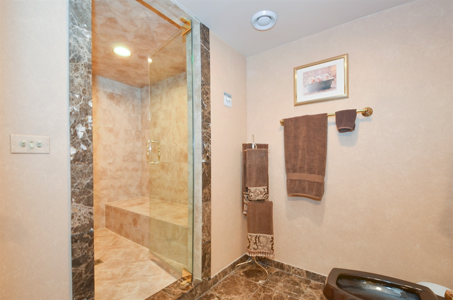 Real Estate Photography - 1 Orchard Ln, Golf, IL, 60029 - Master Bathroom